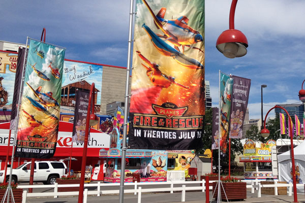 outdoor flying banners graphic signage